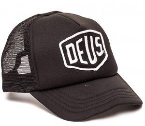 Une casquette Trucker Deus Ex Machina noire