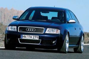 Une Audi RS6 C5 de face
