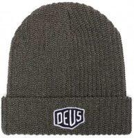 Un bonnet Deus Ex Machina gris avec le logo Deus brodé